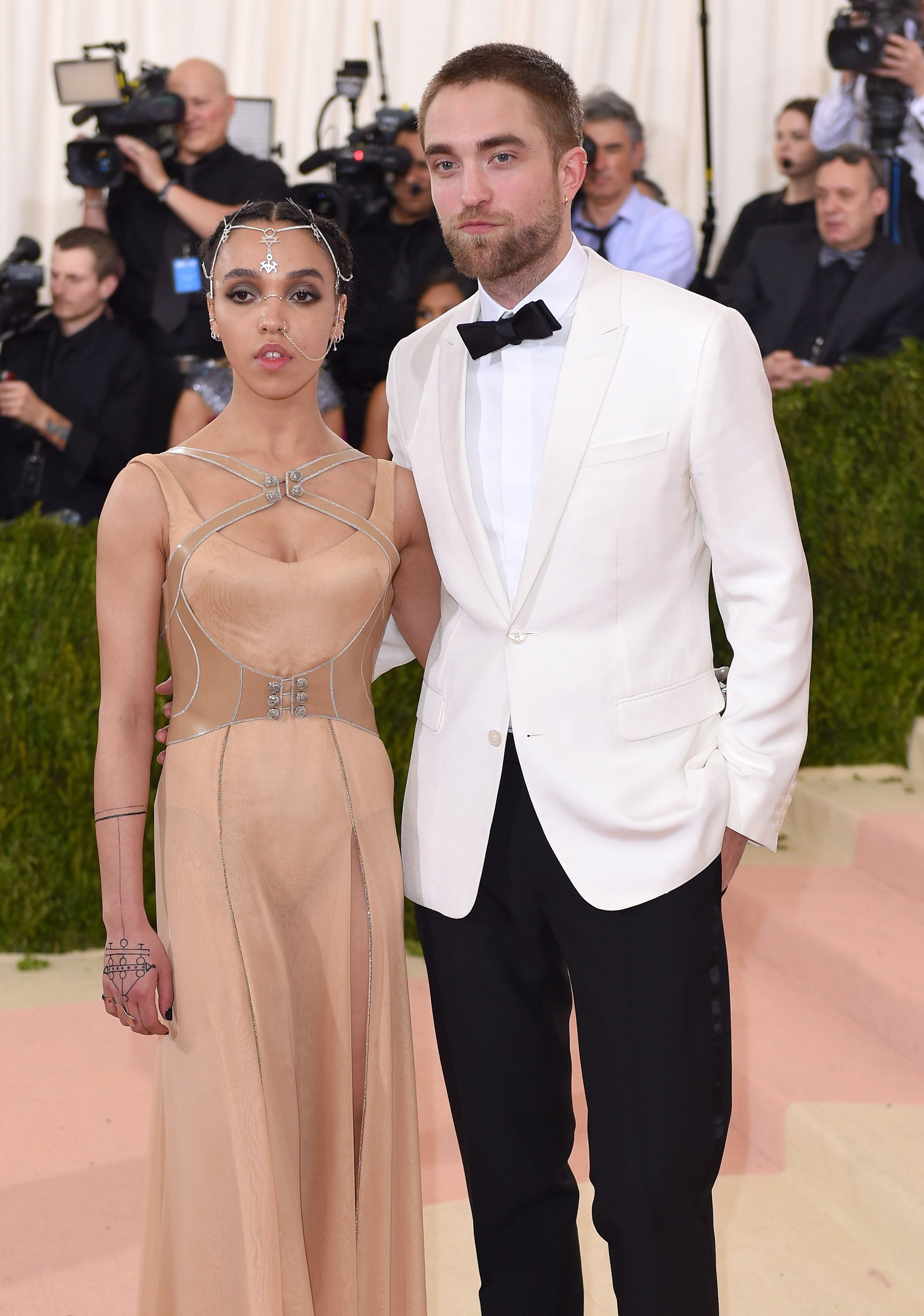 FKA Twigs and Robert Pattinson This couple's two-year relationship was initiated via a special introduction by Sienna Miller and her then-beau Tom Sturridge. The three actors attended an FKA Twigs concert together, and Sturridge made sure to get Pattinson backstage access to meet the singer.
