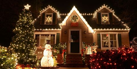 House With Christmas Lights.Why Your Christmas Lights Keep Flickering What S Wrong