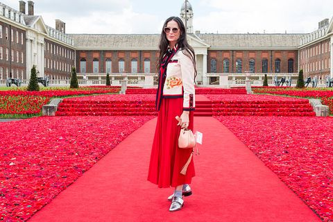 Red carpet, Red, Carpet, Pink, Beauty, Fashion, Architecture, Flooring, Outerwear, Dress,