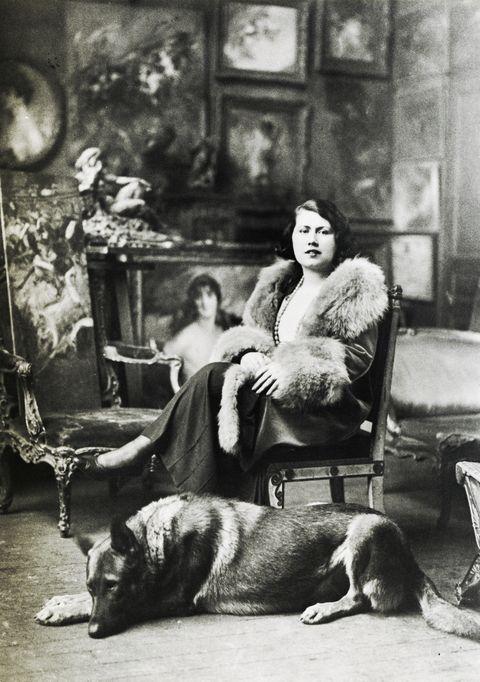 Emilia Cardona Boldini in the Falconiera in 1931