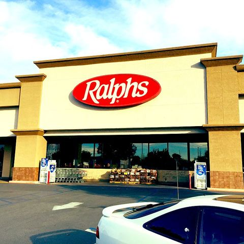retail signs ralphs supermarkets in lakewood, california
