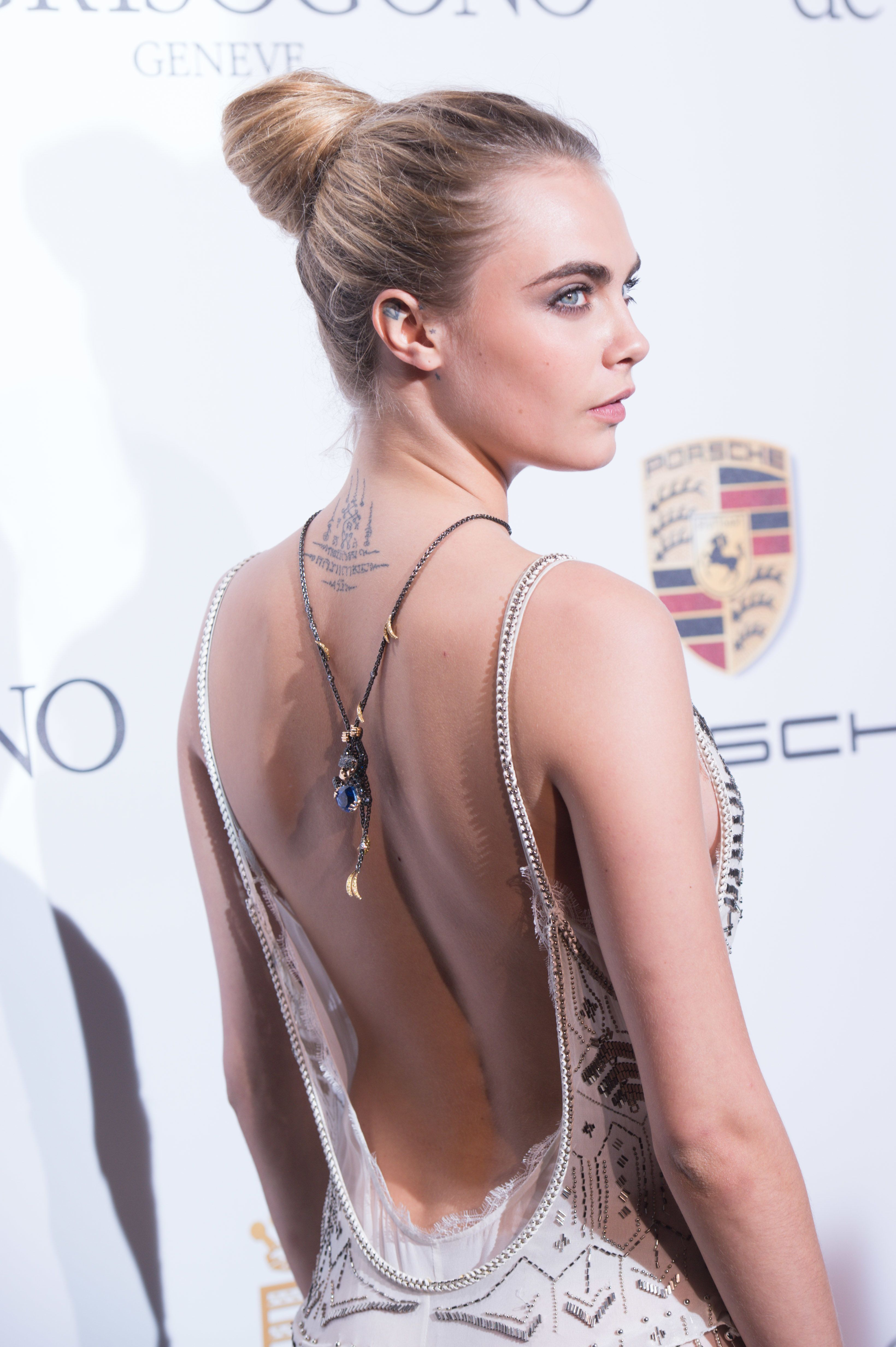 How to Wear Back Necklaces - Celebrities Who Love Backlaces