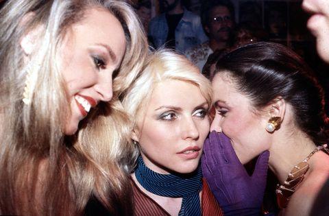 germany out 02071956, fotomodell schauspielerin usa, hall l mit blondie mitte und paloma, picasso im new yorker studio 54, um 1981   photo by a schorrullstein bild via getty images