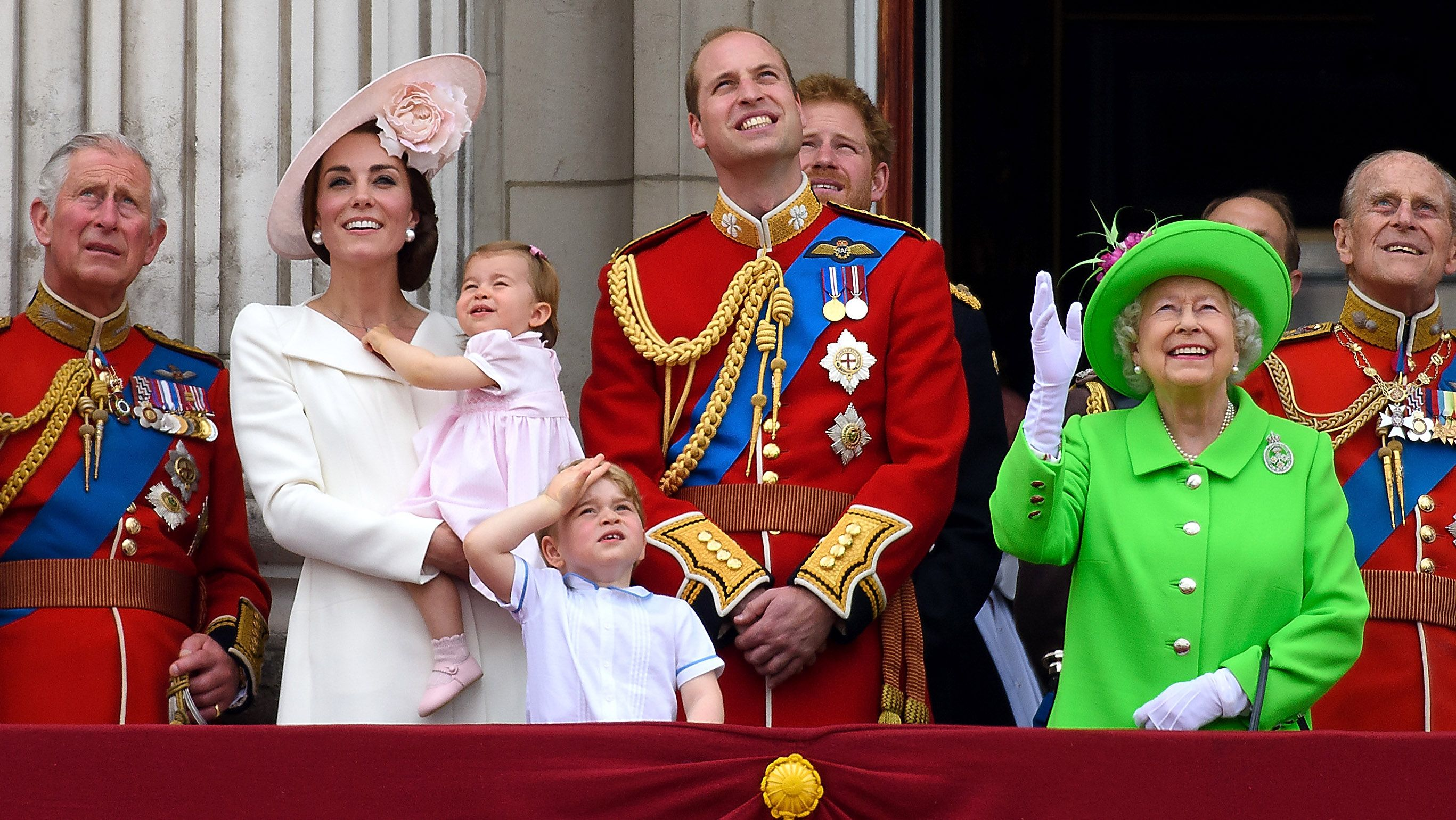 Fans Drag Kate Middleton And Prince William For Snubbing Meghan Markle In This Family Pic