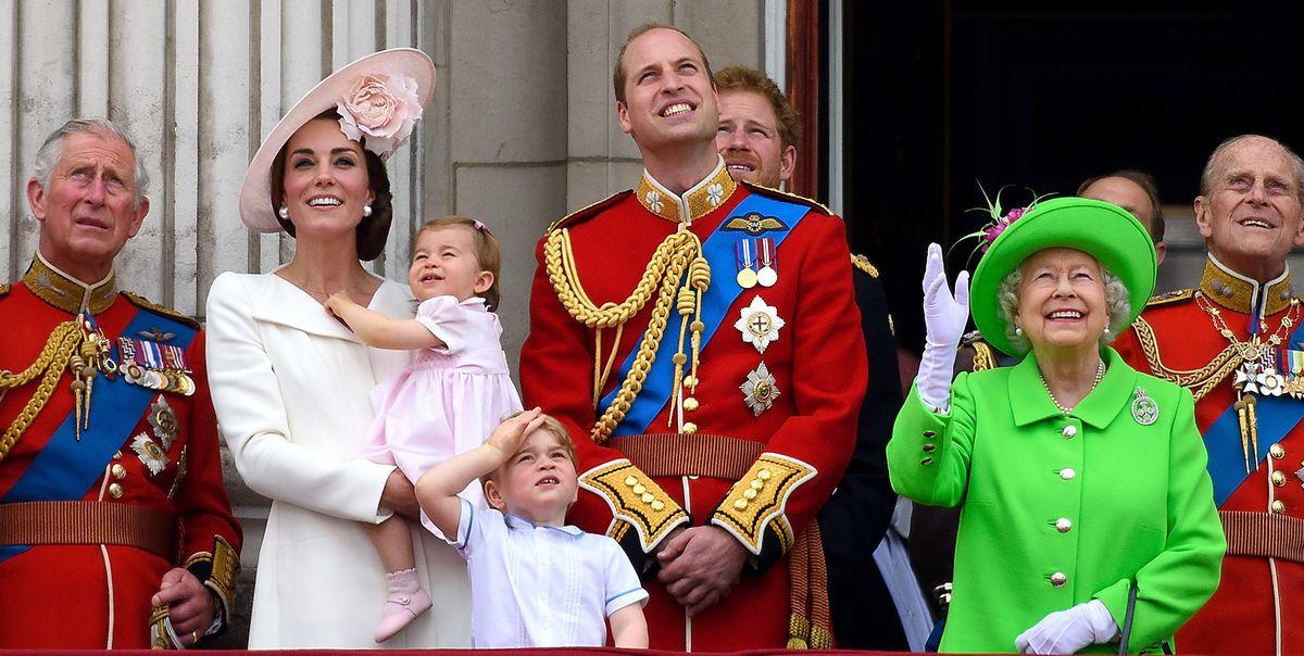 Королева создала новую «фирму восьми», и только некоторые члены королевской семьи прошли через нее