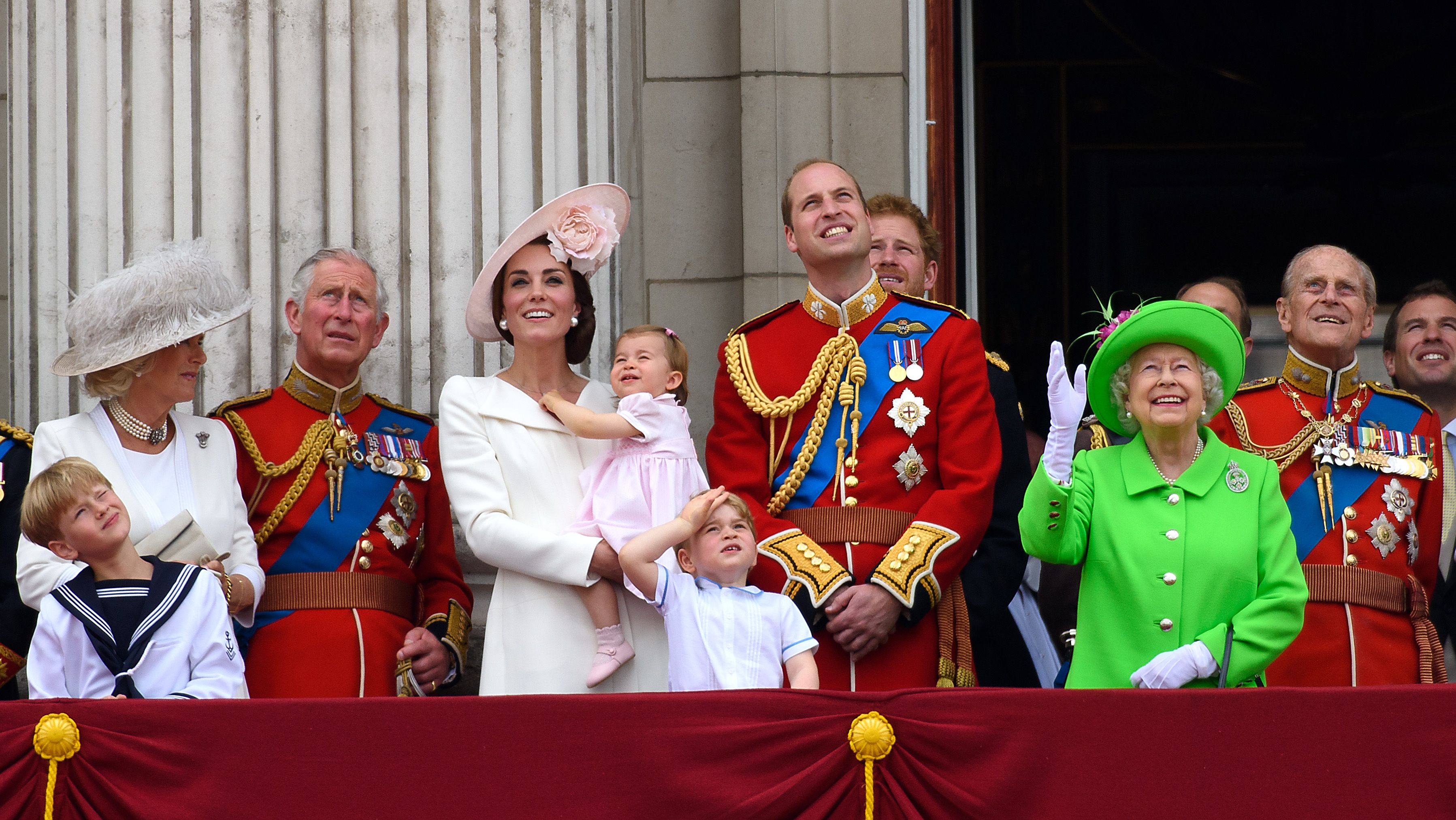 What is Trooping the Colour? - How the Queen Celebrates Her Official ...