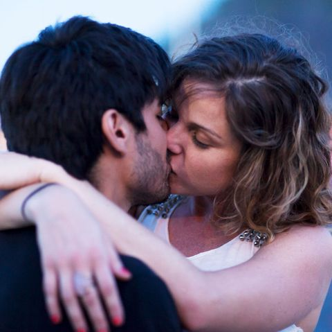 4 Kissing Tips And Techniques How To Kiss Better
