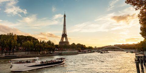 travel in paris in beautiful autumn season