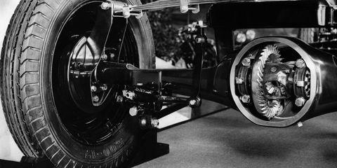 Motor vehicle, Vehicle, Wheel, Automotive tire, Tire, Rim, Car, Auto part, Automotive wheel system, Spoke,