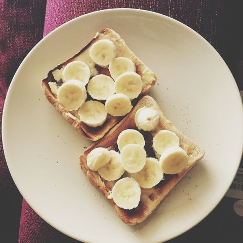 bananas on toast