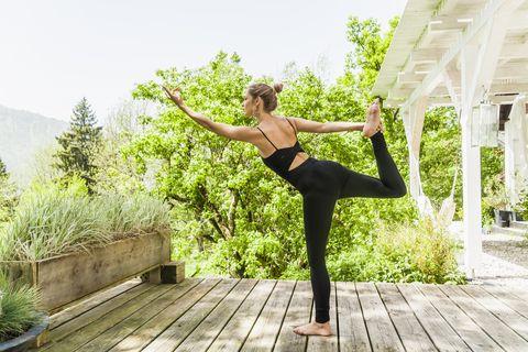 Stress, ansia, rughe. Maledetti ormoni! Ma se bastasse allenarli con lo yoga ormonale?