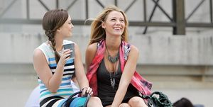 leighton meester and blake lively on gossip girl's set