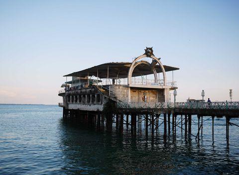 Il vecchio molo di Sukhumi, in Abcasia