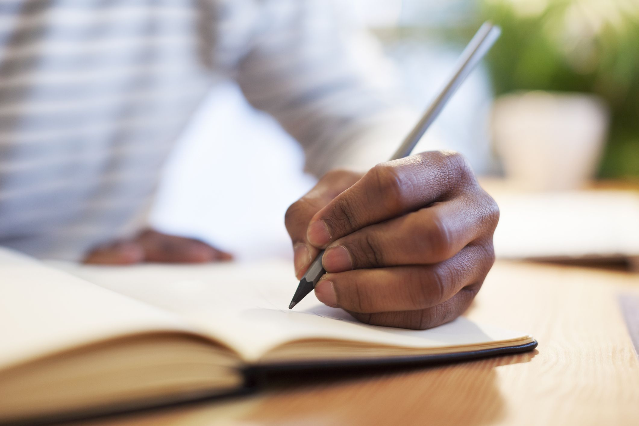 Left Handed Facts - Facts About People Who Are Left Handed