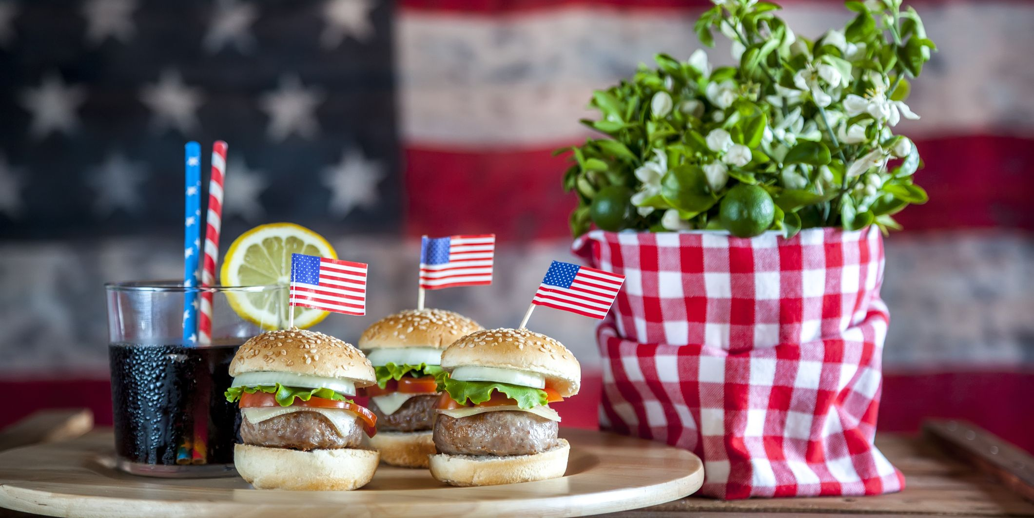 How to Throw a Perfectly Patriotic Memorial Day Party