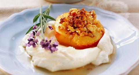 Totale rispetto per la crema al mascarpone, alias la ricetta più soffice e vellutata che ci sia (e si prepara così)