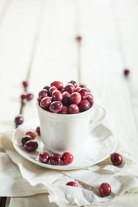 Fruit, Food, Serveware, Produce, Dishware, Berry, Natural foods, Ingredient, Frutti di bosco, Cherry,