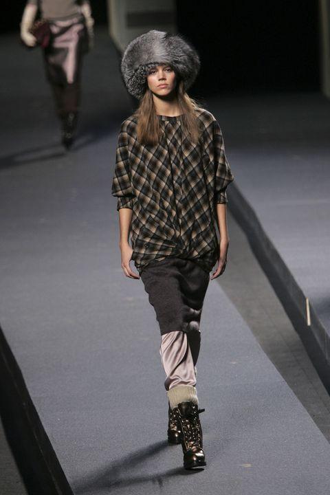 Fashion, Fashion model, Fashion show, Runway, Clothing, Fashion design, Footwear, Street fashion, Human, Model,