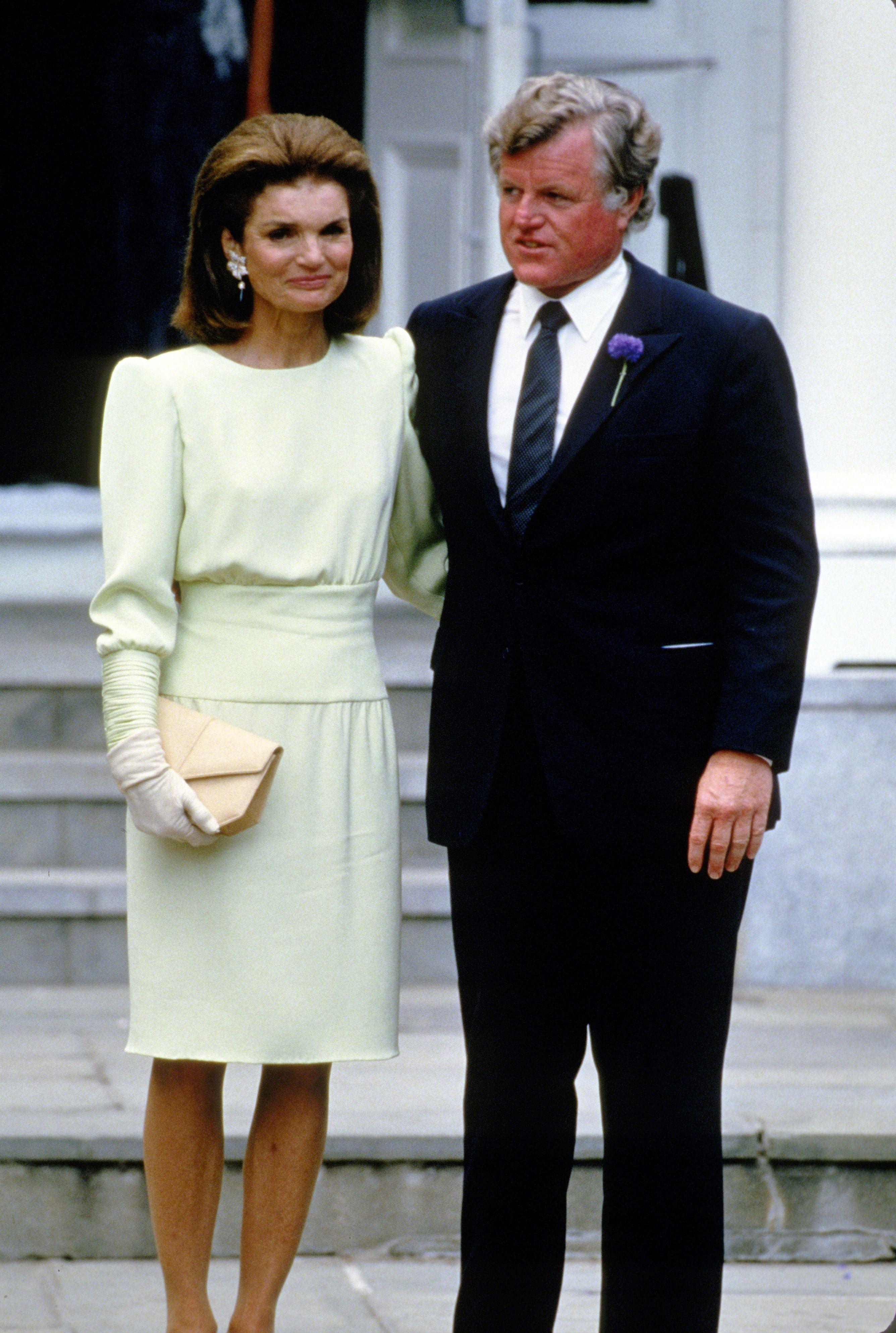 Caroline Kennedy S Wedding Photos Of And Edwin Schlossberg On Their Day