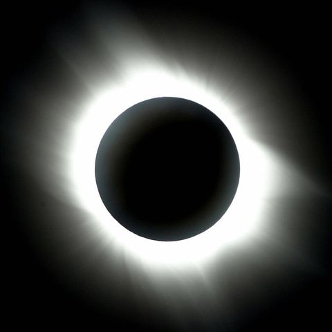 Eclipse, Celestial event, Corona, Atmosphere, Light, Lunar eclipse, Astronomical object, Monochrome, Sky, Sphere,