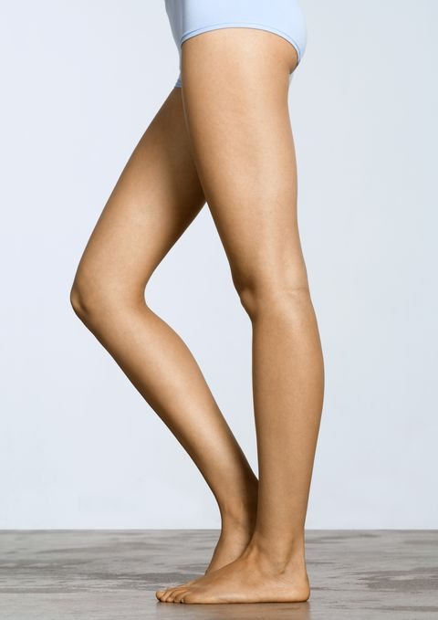 Human leg, Leg, Thigh, Calf, Clothing, Tan, Knee, Footwear, Beige, Human body,