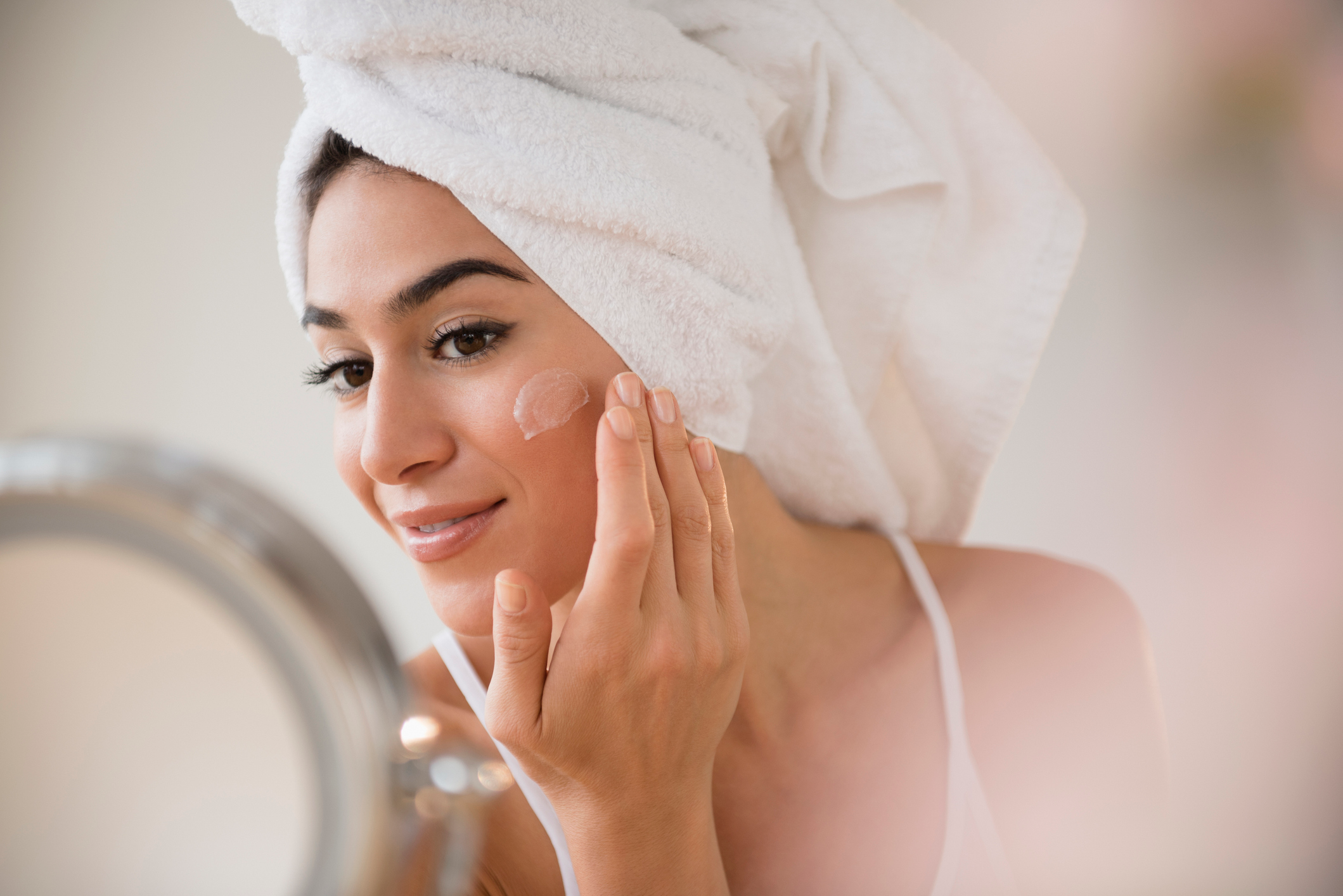 13 Best Tinted Moisturizers in 2019, According to Dermatologists and Makeup Artists