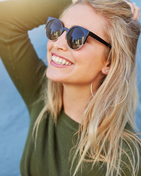 Eyewear, Sunglasses, Hair, Face, Cool, Blond, Glasses, Hairstyle, Lip, Beauty,