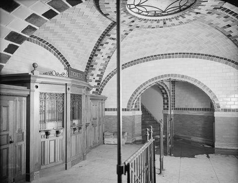 Ticket office, City Hall subway station, New York City, USA, circa 1903