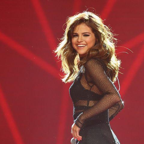 Is Selena Gomez Secretly Attending Amas Theory Selena Gomez