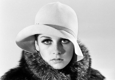 White, Face, Fur, Clothing, Hat, Beauty, Head, Lip, Fur clothing, Black-and-white,