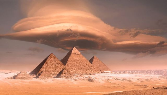 isaac newton believed the pyramids revealed the timing of the apocalypse