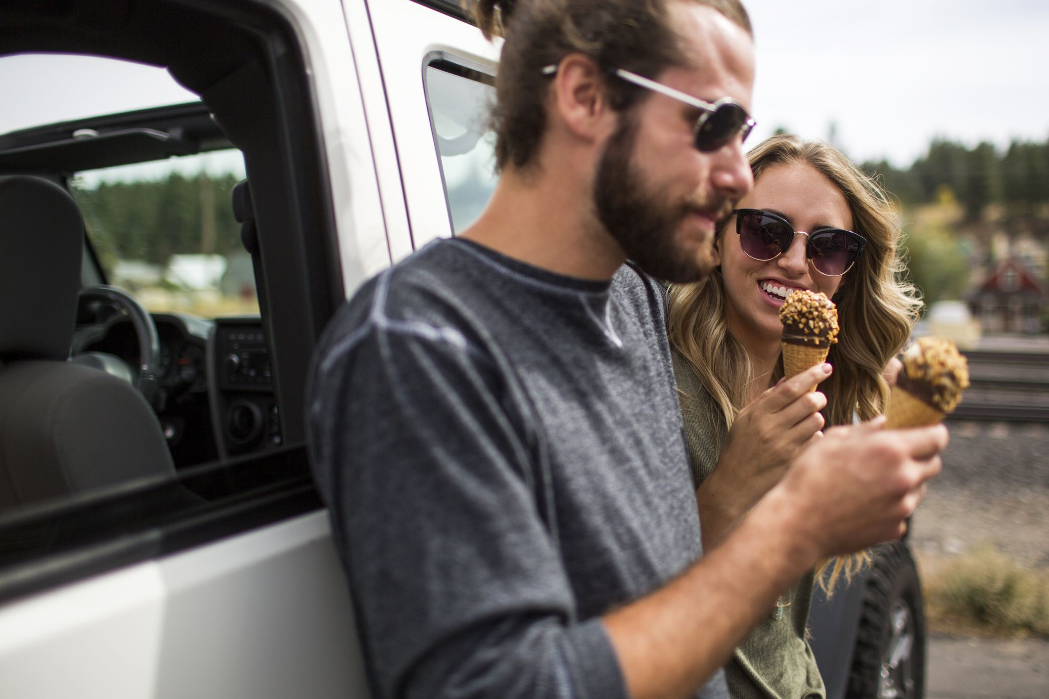 The 20 Best Snacks to Pack For a Road Trip
