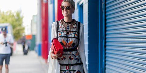 Street fashion, Clothing, Fashion, Blue, Red, Eyewear, Snapshot, Shoulder, Sunglasses, Fashion design,