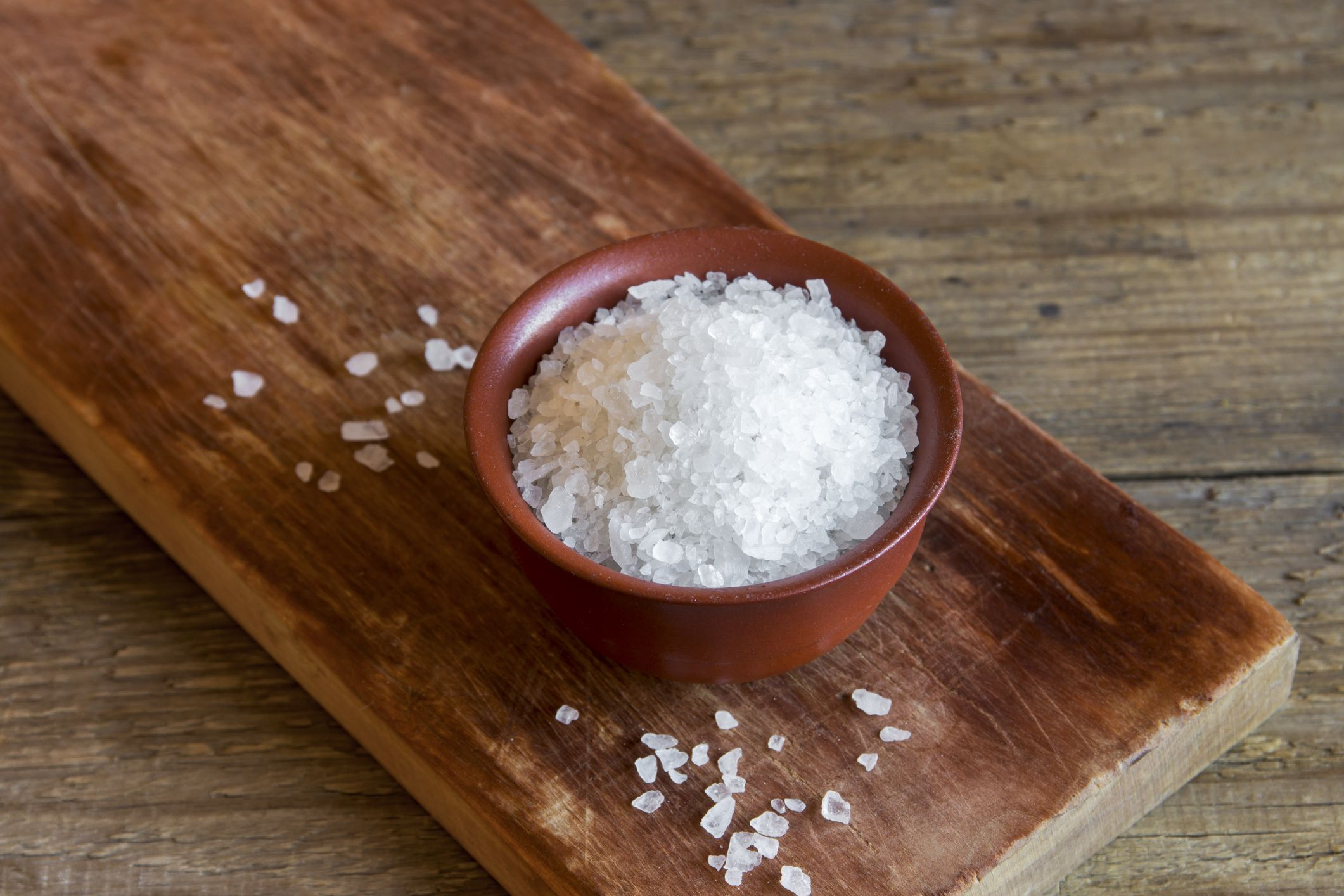 7 All-Natural Ways To Use Salt For Gorgeous Skin, Hair, Teeth, And Nails