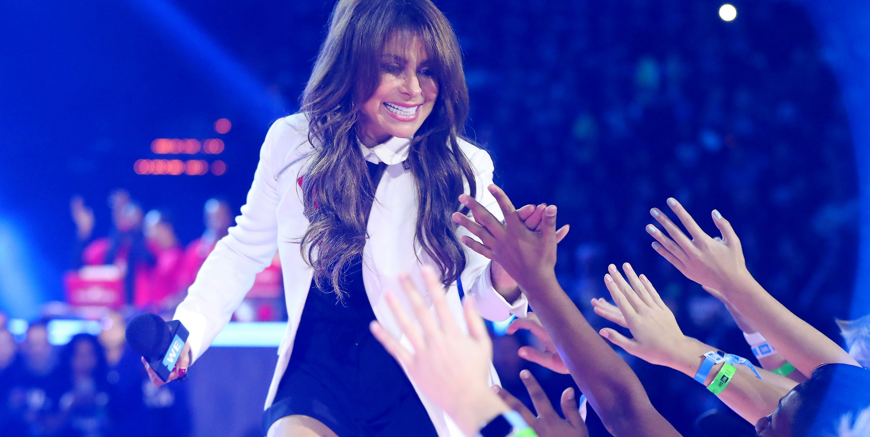 OMG, Paula Abdul Fell Right Off the Stage During Her Concert