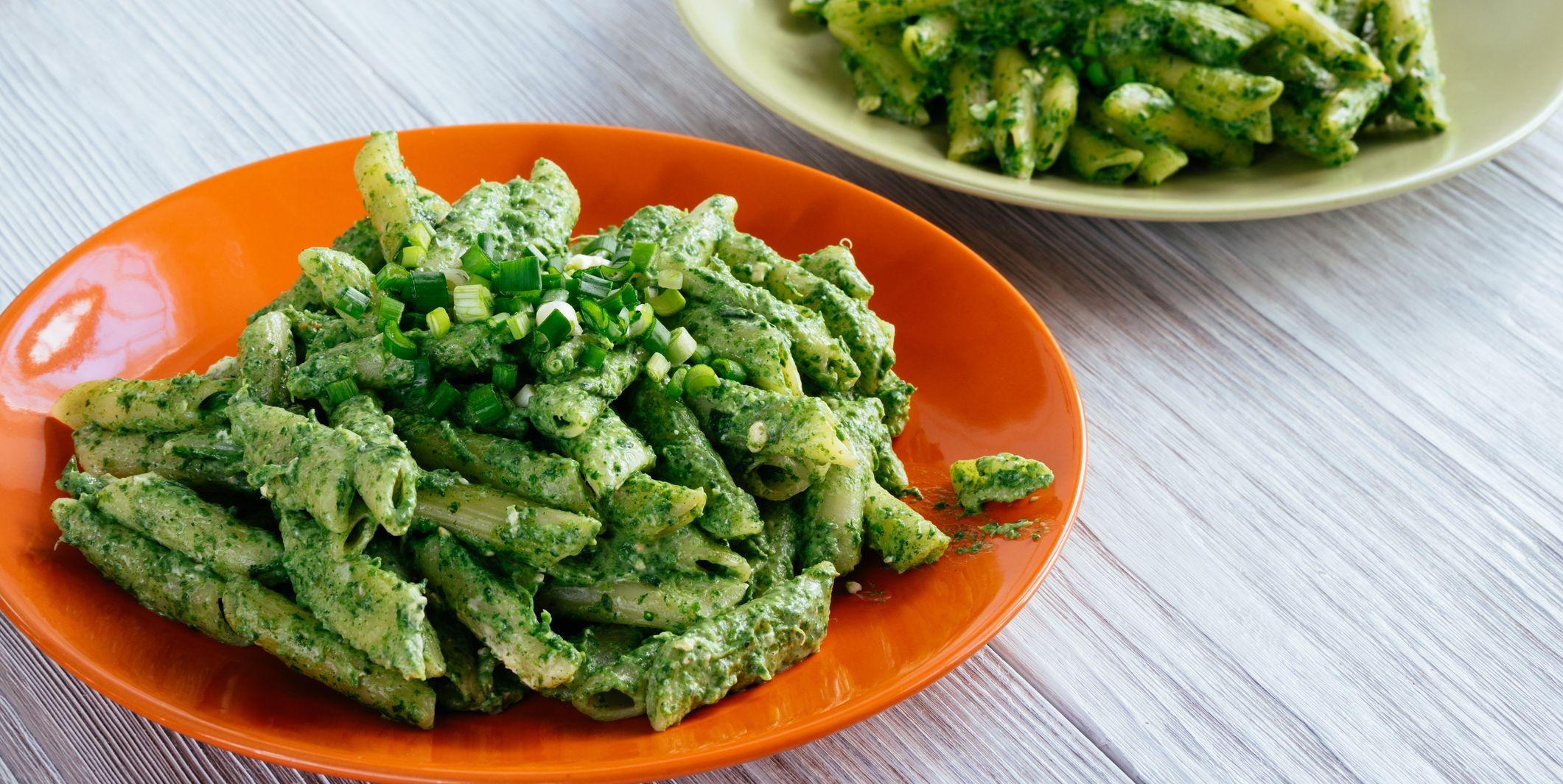 La pasta con crema di spinaci è la ricetta più veloce e delicata da provare questa settimana