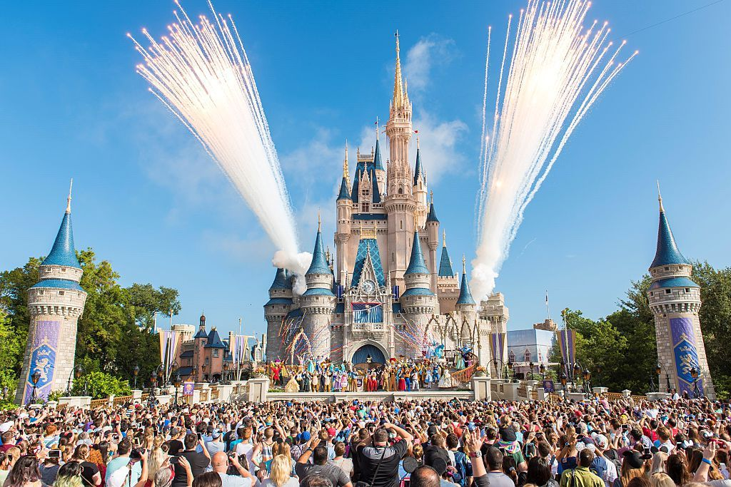 Here's Where to Find the Absolute Best Disney Ticket and Hotel Deals This Week