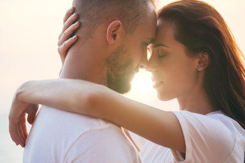 Forehead, Romance, Love, Skin, Beauty, Interaction, Nose, Cheek, Kiss, Gesture,