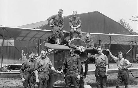Airplane, Crew, Vehicle, Aircraft, Aviation, Team, Propeller-driven aircraft,
