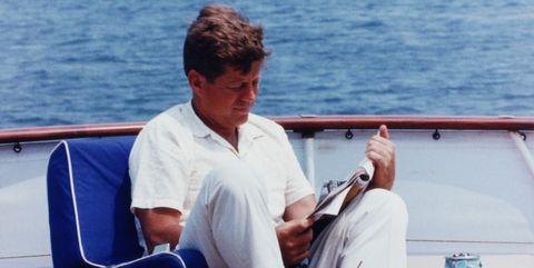 Vacation, Yacht, Deck, Luxury yacht, Vehicle, Boat, Boating, Sea, Sitting, Leisure,