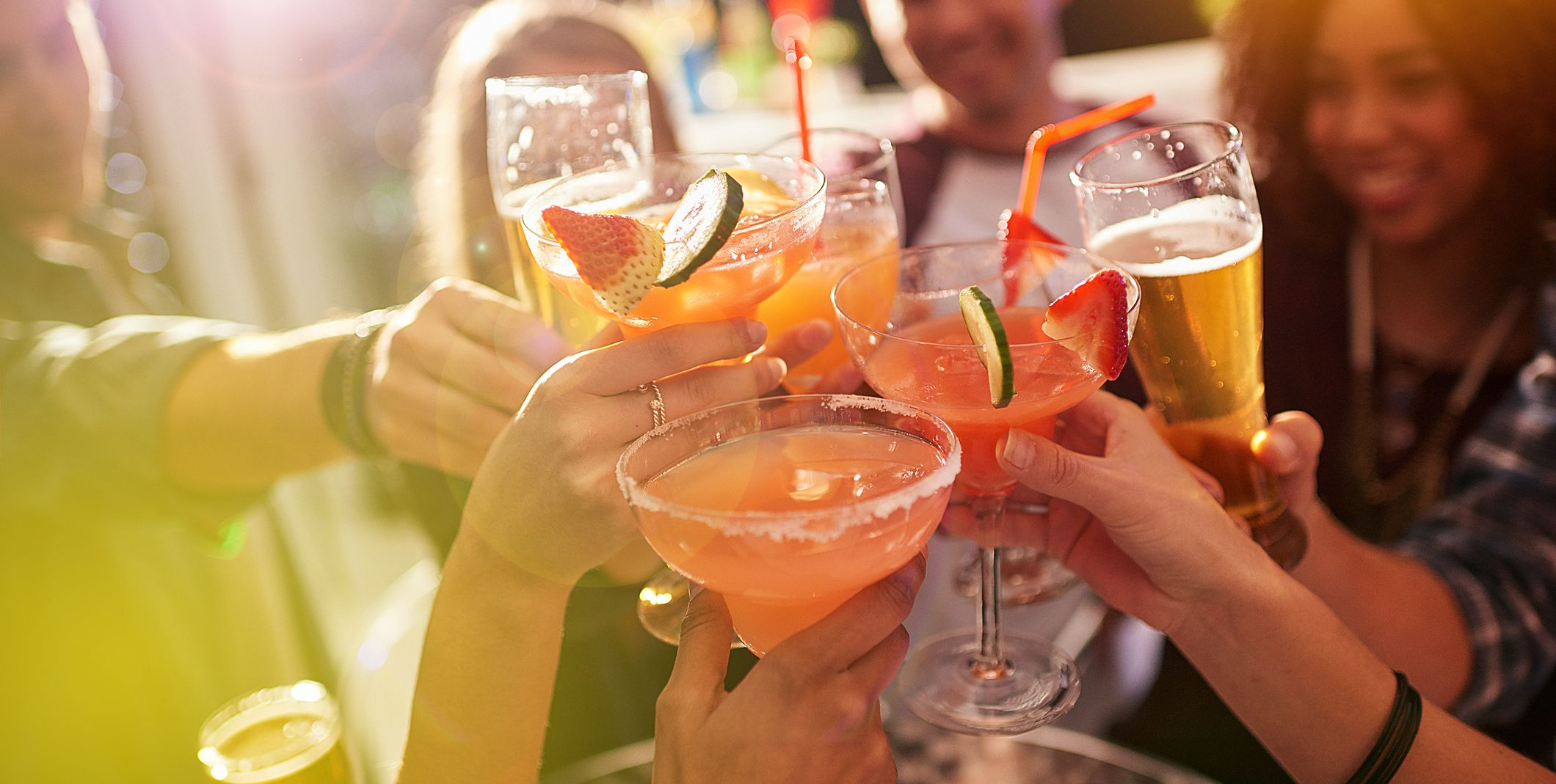 10 Low-Calorie Alcoholic Drinks to Order if You're Trying to Lose Weight