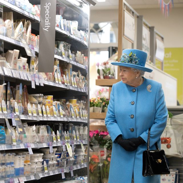 13 Photos of Queen Elizabeth, Princess Diana, and Other Royals at the Grocery Store