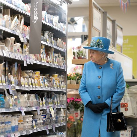 queen elizabeth at the grocery store