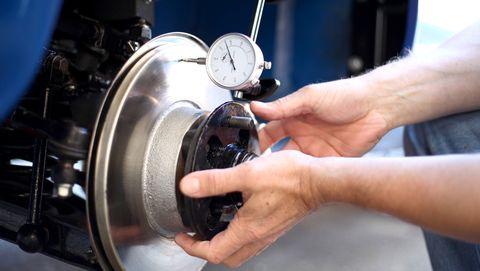 Auto part, Brake, Engine, Vehicle brake, Wheel, Machine,