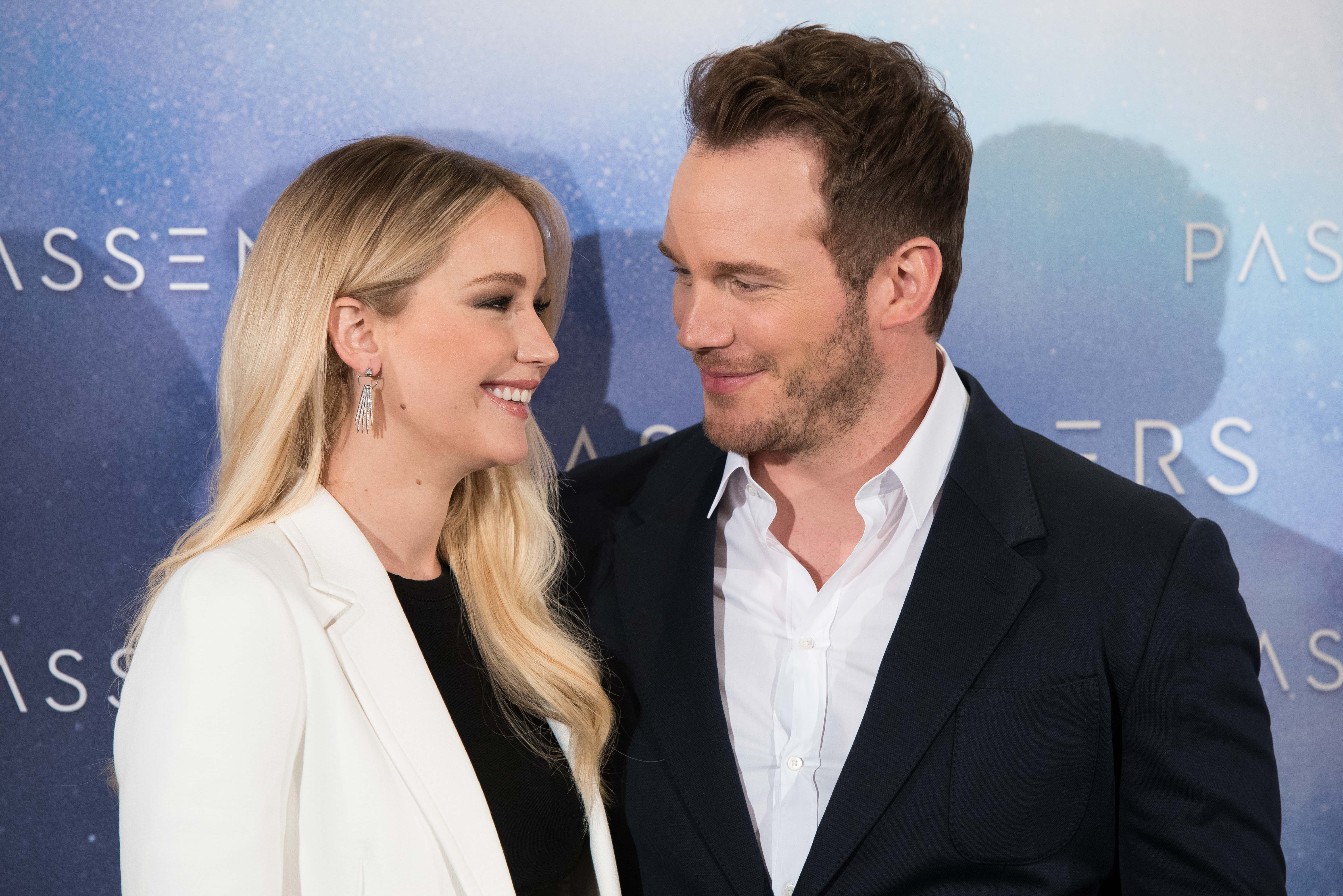 Jennifer Lawrence: I Never Had an Affair with Chris Pratt on Passengers pictures