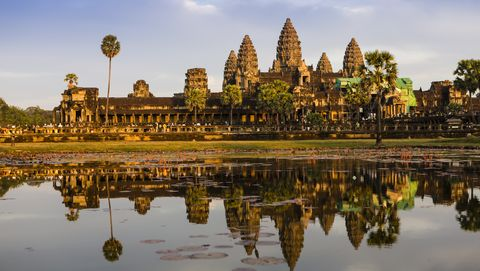 Reflection, Landmark, Sky, Reflecting pool, Historic site, Temple, Architecture, Hindu temple, Morning, Place of worship,