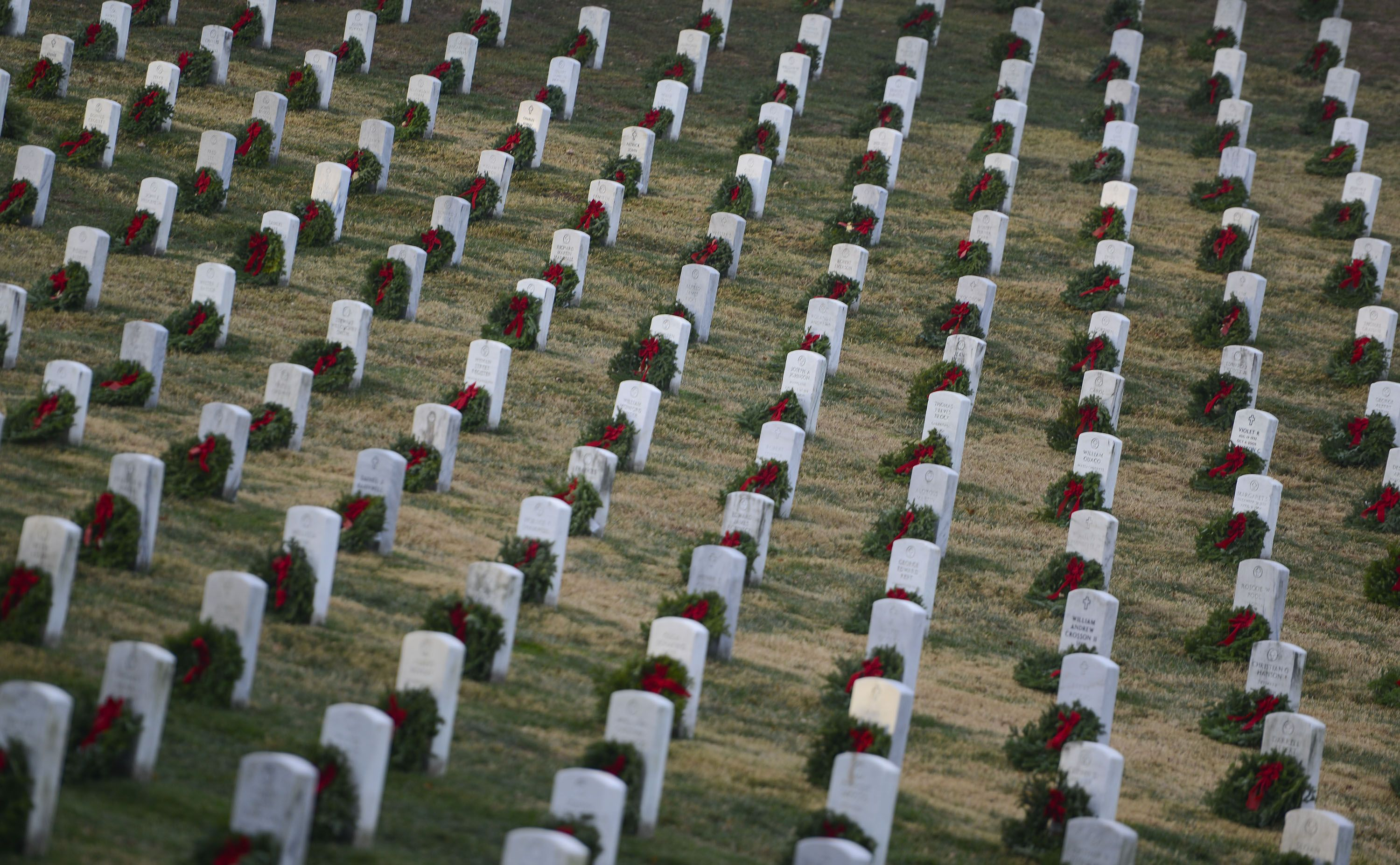 This Weekend, 1.8 Million Wreaths Will Be Laid To Honor U.S. Veterans