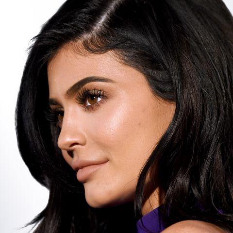 Hair, Face, Eyebrow, Hairstyle, Lip, Chin, Black hair, Cheek, Nose, Skin,