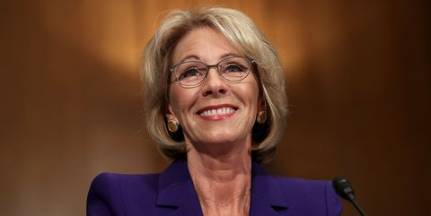 Pick For Us Education Secretary Rankles >> Betsy Devos Confirmed As Education Secretary Mike Pence Casts Tie