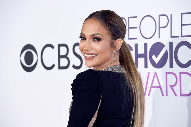 los angeles, ca   january 18  actressrecording artist jennifer lopez attends the peoples choice awards 2017 at microsoft theater on january 18, 2017 in los angeles, california  photo by kevork djanseziangetty images